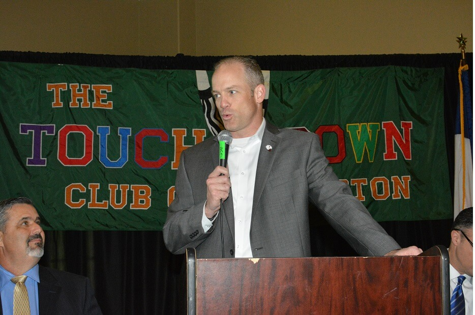 touchdownclub-Coach Matt Wells talks to the TD Club in 2019